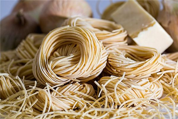 The meaning and symbol of birthday noodles in dream