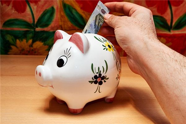 The meaning and symbol of piggy bank in dream