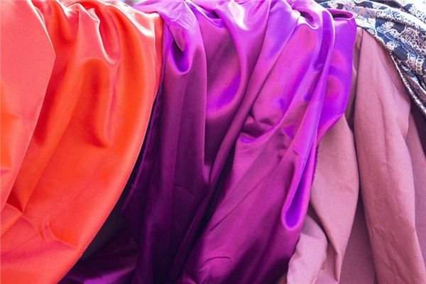 The meaning and symbol of silk in dream