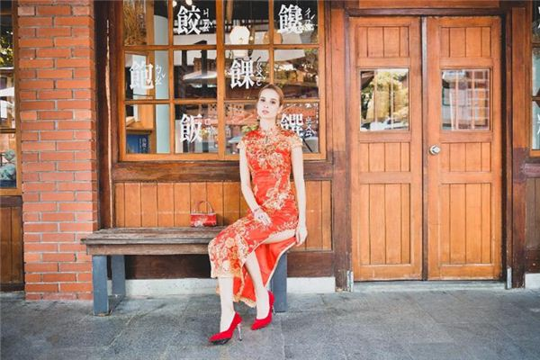 The meaning and symbol of cheongsam in dream