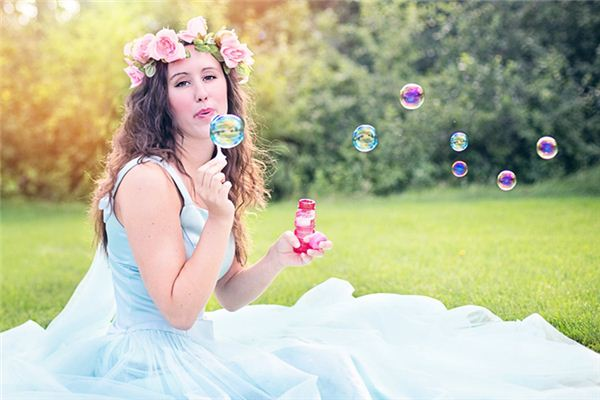 What does blowing bubbles mean and symbolize in dreams?
