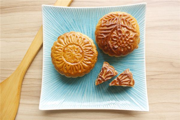 The meaning and symbol of buying moon cakes in dreams