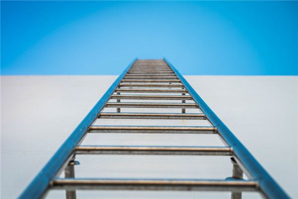 The meaning and symbol of climbing the ladder in dreams