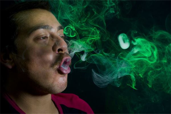 The meaning and symbol of a man smoking in his dream